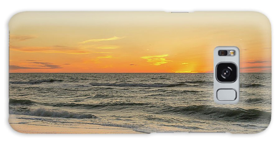 Clearwater Galaxy S8 Case featuring the photograph Below The Horizon by Kim Wilder Hinson