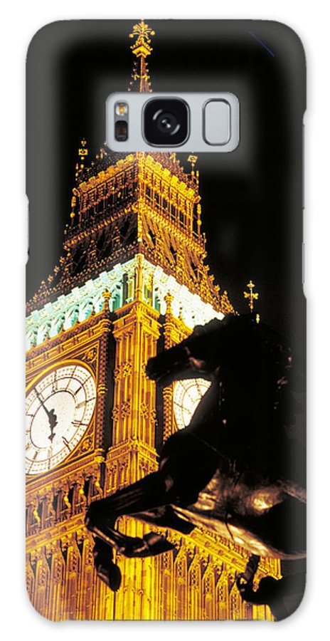 Clock Galaxy S8 Case featuring the photograph Big Ben In London by Carl Purcell