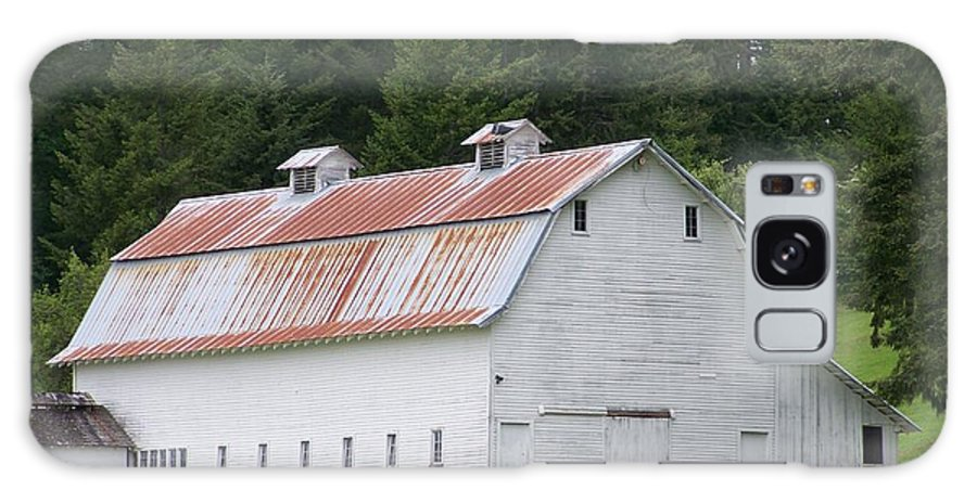 White Galaxy S8 Case featuring the photograph Big White Old Barn With Rusty Roof Washington State by Laurie Kidd