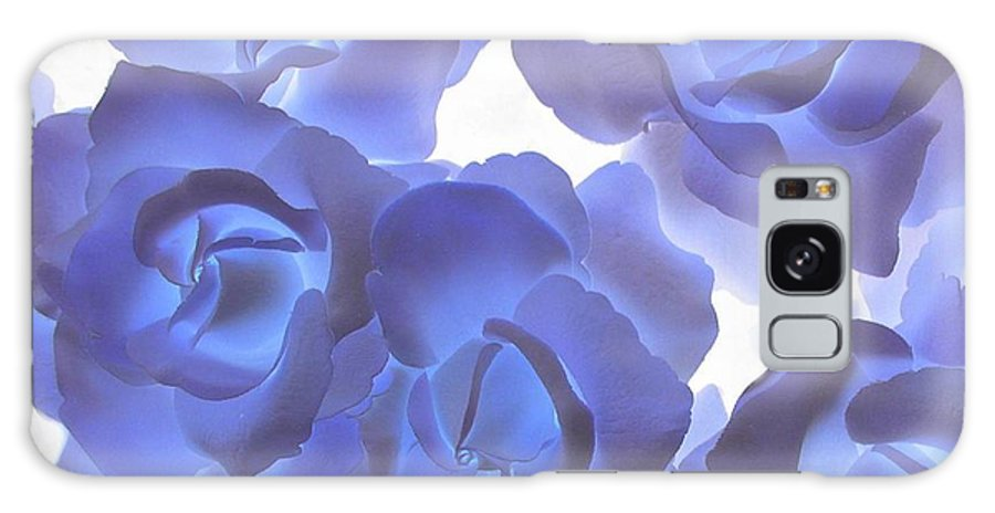 Blue Galaxy S8 Case featuring the photograph Blue Roses by Tom Reynen