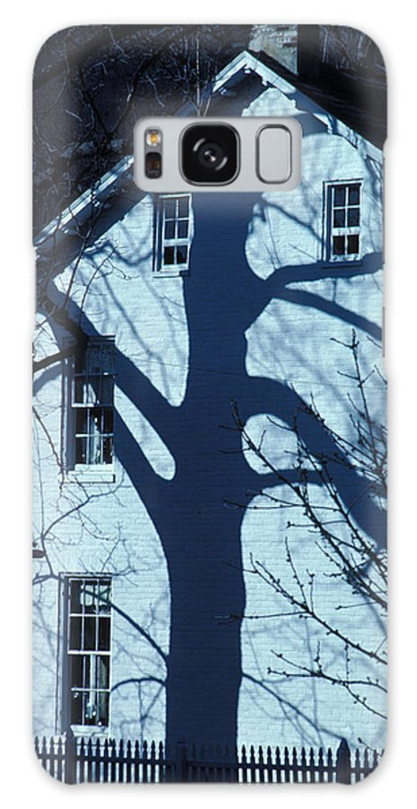 Tree Galaxy Case featuring the photograph Blue Tree House by Carl Purcell