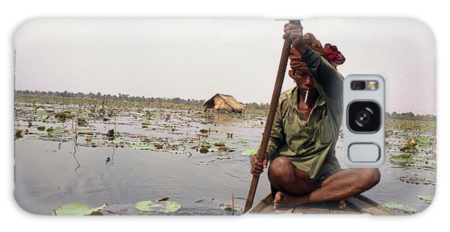 Cambodia Galaxy S8 Case featuring the photograph Boatman - Battambang by Patrick Klauss