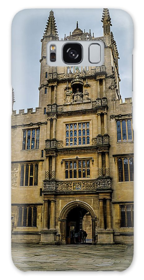 Bodleian Library Galaxy S8 Case featuring the photograph Bodleian Library Main Gate by Carol Berget