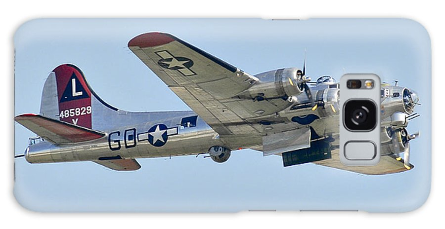 Wwii Galaxy S8 Case featuring the photograph Boeing B-17g Flying Fortress by Alan Toepfer