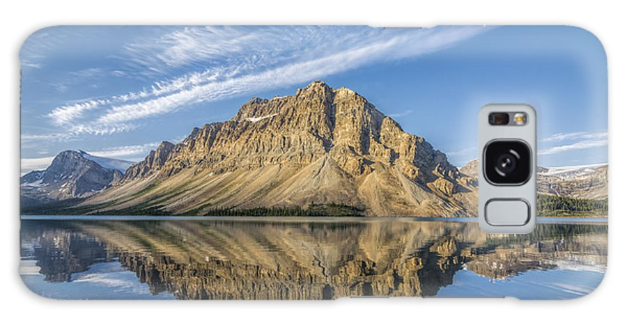 Horizontal Galaxy S8 Case featuring the photograph Bow Lake Sunrise Banff National Park Alberta Canada by Yves Gagnon