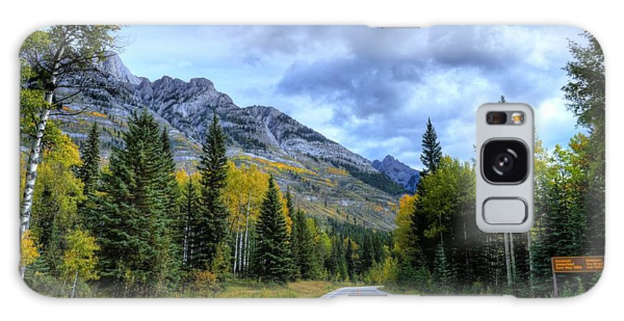 Bow Valley Parkway Galaxy S8 Case featuring the photograph Bow Valley Parkway Banff National Park Alberta Canada Vi by Wayne Moran