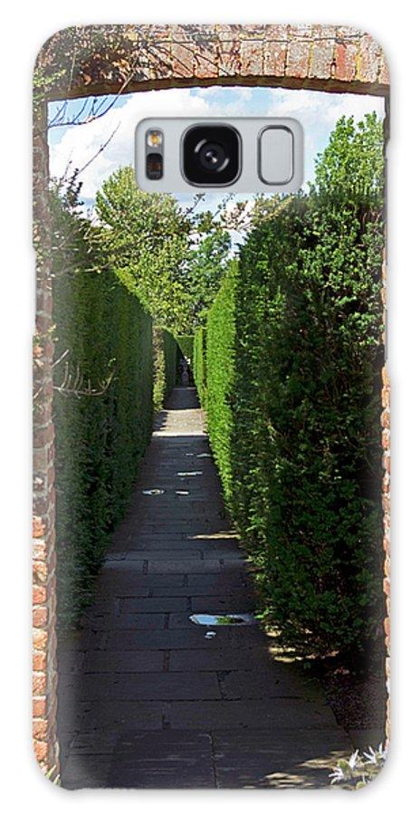Garden Galaxy S8 Case featuring the photograph Brick Arch by Alan Pickersgill