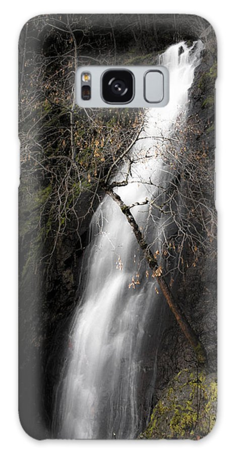 Bridal Veil Falls Galaxy S8 Case featuring the photograph Bridal Veil Falls by Wes Jimerson