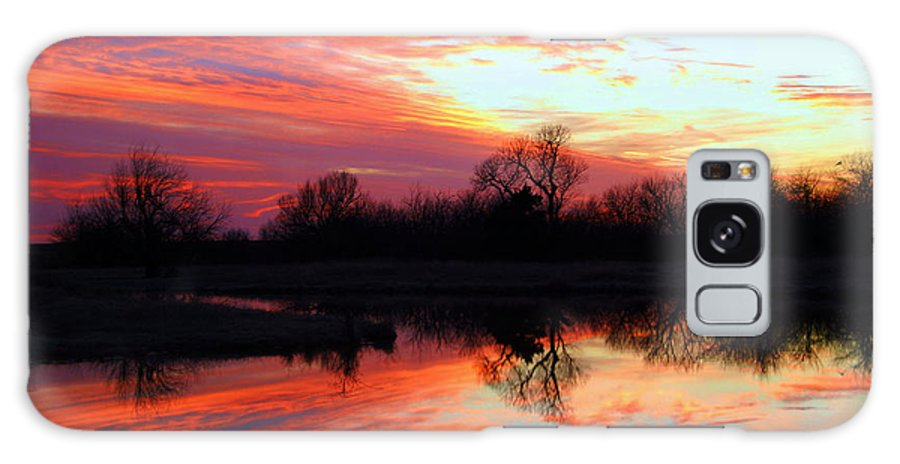 Clouds Galaxy S8 Case featuring the photograph Calming Sunset by Larry Keahey