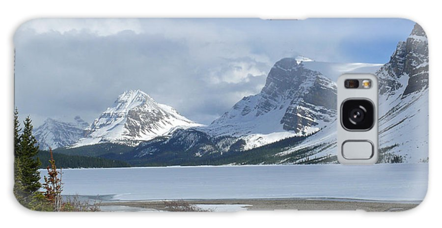 Canadian Rockies Galaxy S8 Case featuring the photograph Canadian Rockies Bow Lake by Mark Grayden