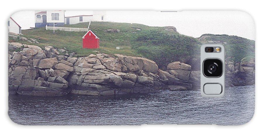 Cape Neddick Lighthouse Galaxy S8 Case featuring the photograph Cape Neddick Lighthouse by Thomas R Fletcher