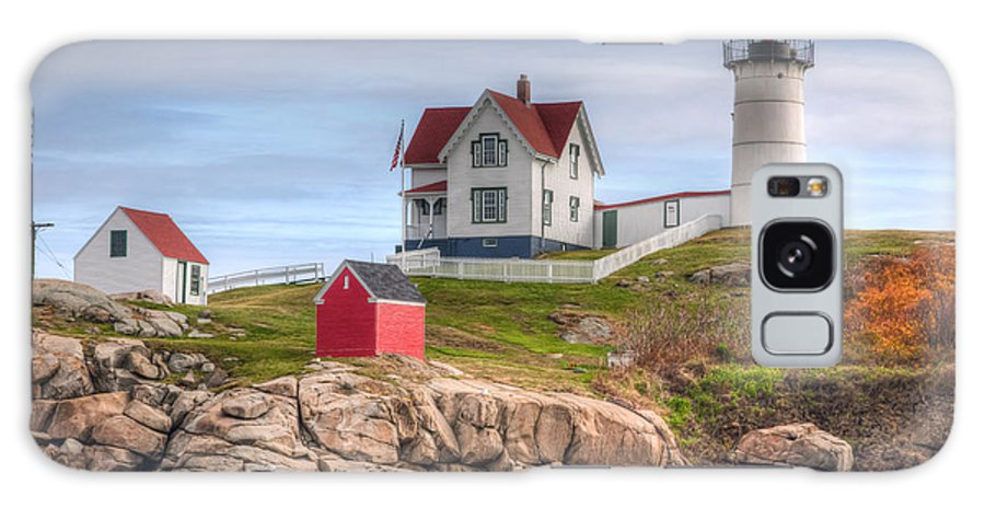 America Galaxy S8 Case featuring the photograph Cape Neddick Nubble Lighthouse I by Clarence Holmes