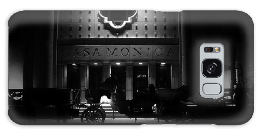 Carriage Galaxy S8 Case featuring the photograph Carriage Ride At The Casa Monica by David Lee Thompson