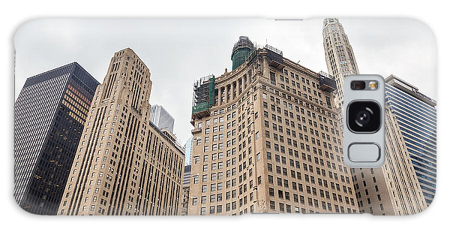 2014 Galaxy S8 Case featuring the photograph Chicago Towers by Jannis Werner