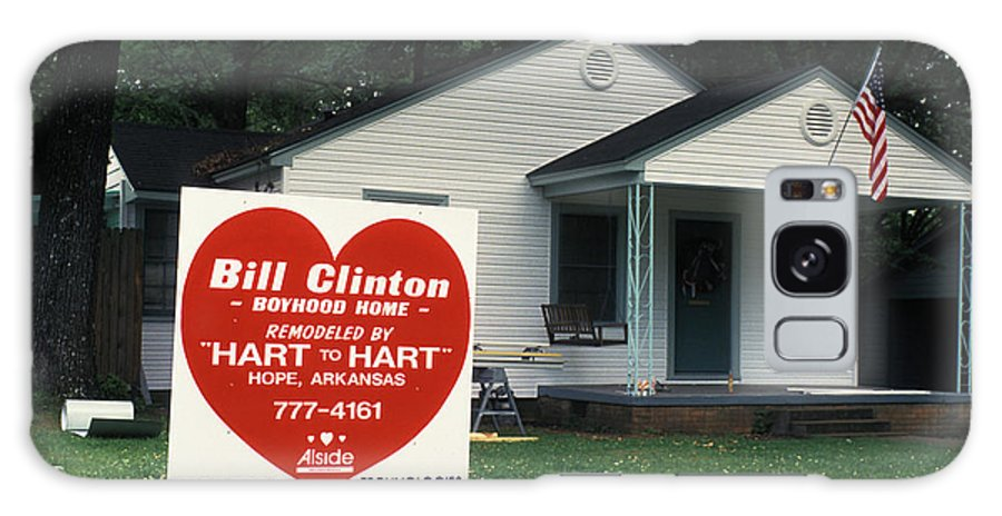 Childhood Galaxy S8 Case featuring the photograph Childhood Home Of Bill Clinton by Carl Purcell