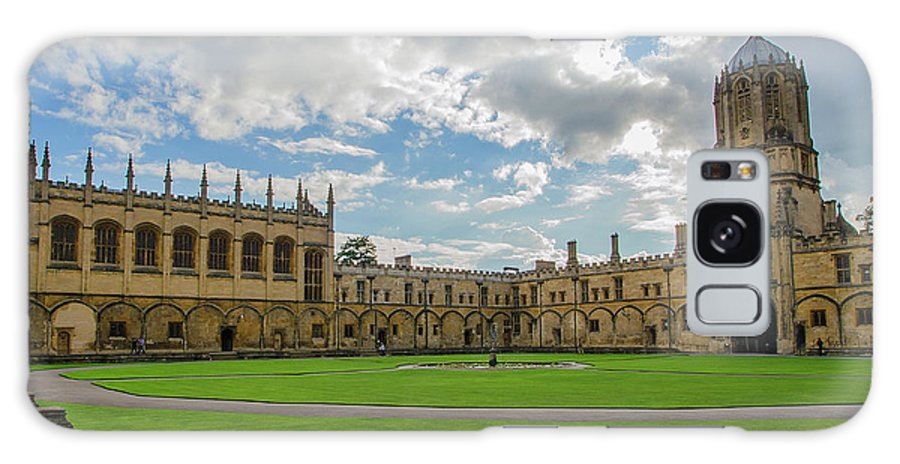 Tom Quad Galaxy S8 Case featuring the photograph Christ Church Tom Quad by Carol Berget
