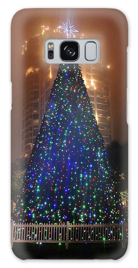 Christmas Galaxy S8 Case featuring the photograph Christmas In The City by David Lee Thompson