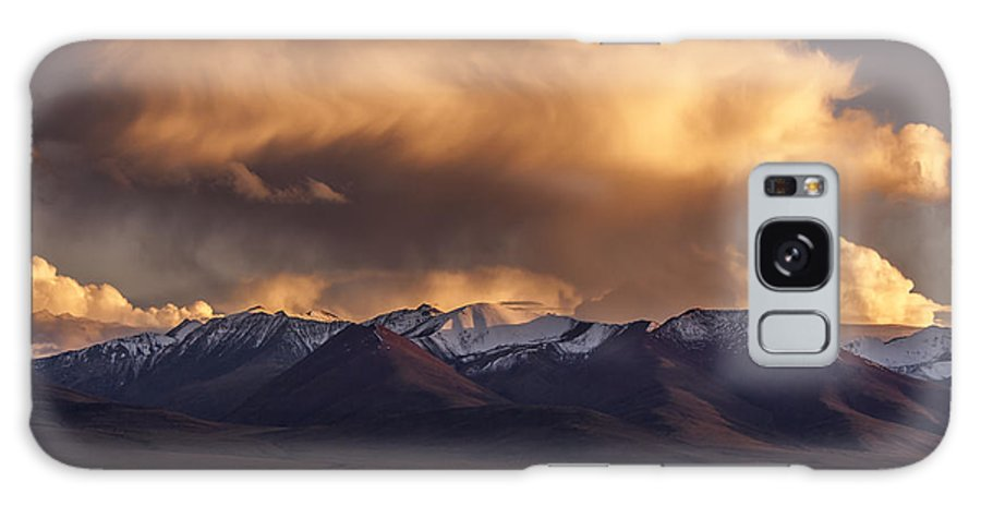 Cloud Galaxy S8 Case featuring the photograph Cloud Over Namtso by Hitendra SINKAR