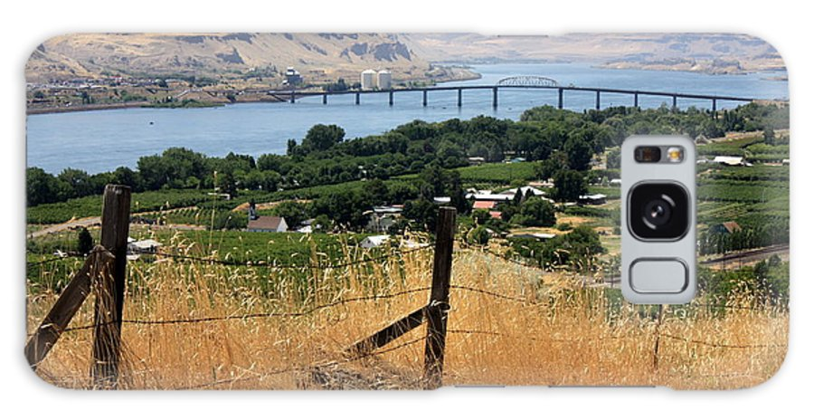 River Galaxy S8 Case featuring the photograph Columbia River - Biggs And Maryhill State Park by Carol Groenen