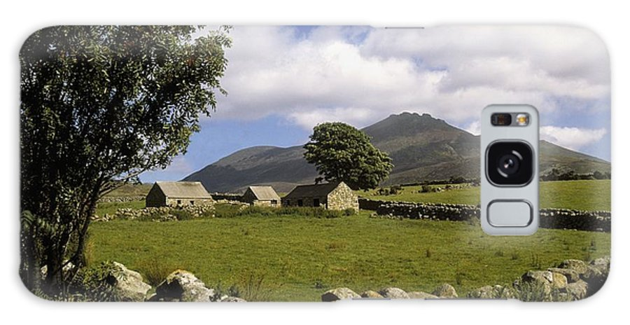 Scenery Galaxy S8 Case featuring the photograph Cottages On A Farm Near The Mourne by The Irish Image Collection