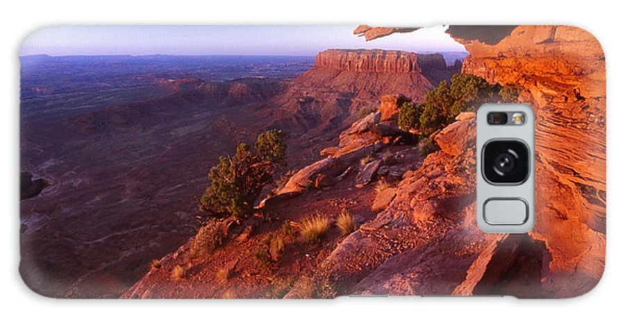 Dead Horse State Park Galaxy S8 Case featuring the photograph Dead Horse Point Sunset by Sven Brogren