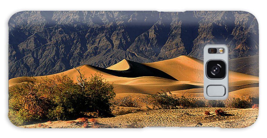 Death Valley National Park Galaxy S8 Case featuring the photograph Death Valley's Mesquite Flat Sand Dunes by Christine Till