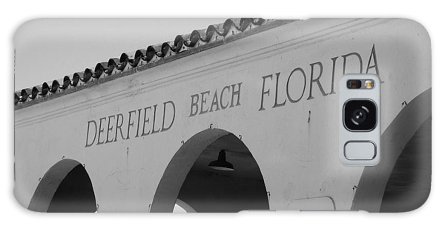 Black And White Galaxy S8 Case featuring the photograph Deerfield Beach Florida by Rob Hans