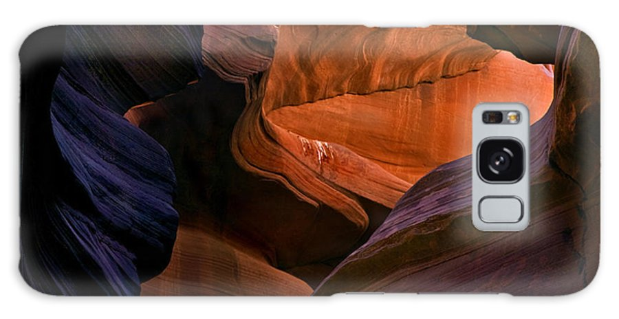Sandstone Galaxy S8 Case featuring the photograph Desert Bridge by Mike Dawson