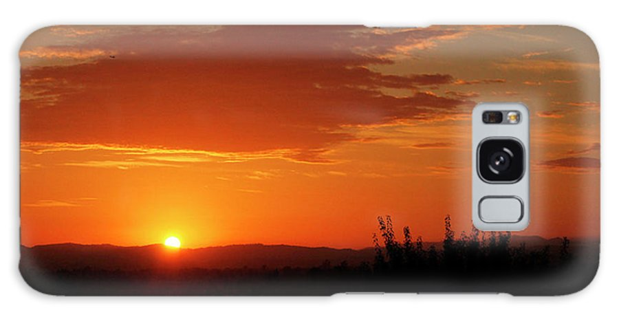 Sunset Galaxy S8 Case featuring the photograph Don't Look At The Sun by Pauline Darrow