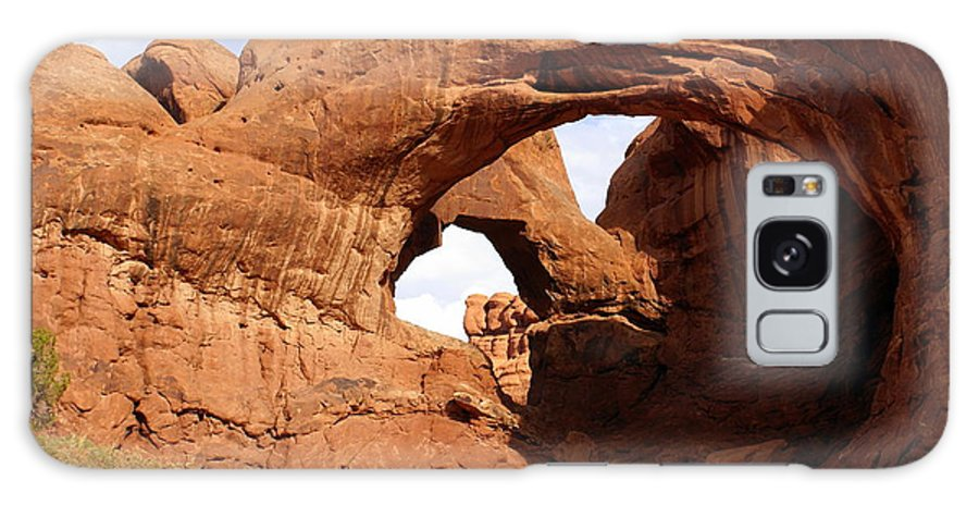 Southwest Art Galaxy S8 Case featuring the photograph Double Arch by Marty Koch