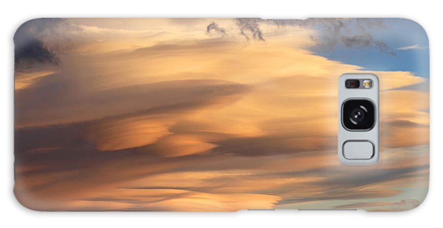 Lenticular Clouds Galaxy S8 Case featuring the photograph Dreamy Sunset by Donna Kennedy
