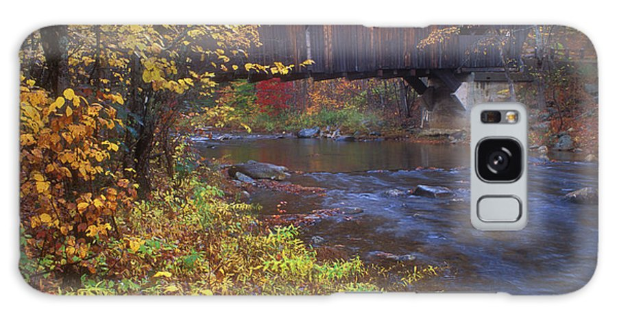 New Hampshire Galaxy S8 Case featuring the photograph Durgin Covered Bridge Sandwich by John Burk