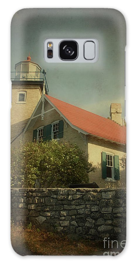 Eagle Bluff Galaxy S8 Case featuring the photograph Eagle Bluff Lighthouse by Joel Witmeyer