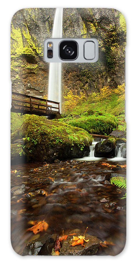 Elowah Falls Galaxy S8 Case featuring the photograph Elowah Perspective by Mike Dawson