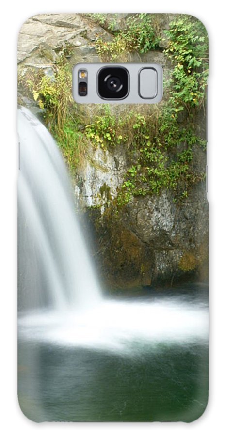 Waterfall Galaxy S8 Case featuring the photograph Emerald Falls by Marty Koch