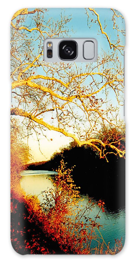 River Galaxy S8 Case featuring the photograph Fall At The Raritan River In New Jersey by Christine Till