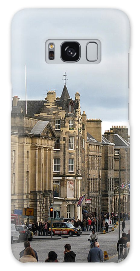 Edinburgh Galaxy S8 Case featuring the photograph Fall Day In Edinburgh by Amanda Barcon