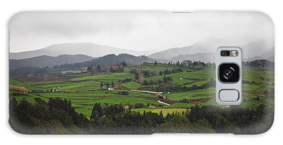 Field Galaxy S8 Case featuring the photograph Fields In The Hill by Nelson Mineiro