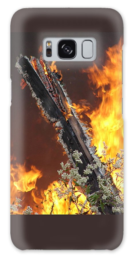 Fire Wood Flames Flowers Galaxy S8 Case featuring the photograph Flames Of Age by Luciana Seymour