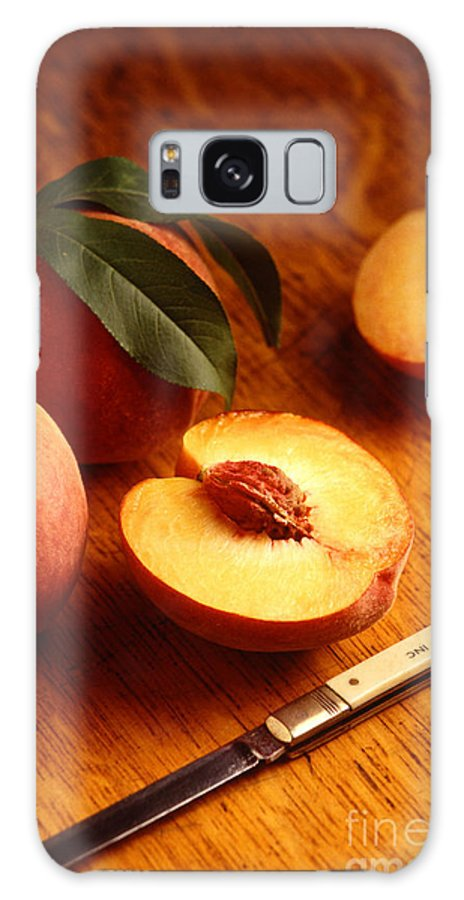 Peach Galaxy S8 Case featuring the photograph Flavorcrest Peaches by Photo Researchers