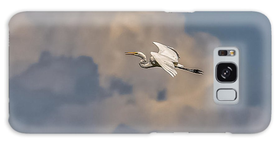 Great Egret Galaxy S8 Case featuring the photograph Flight To Heaven by Yeates Photography
