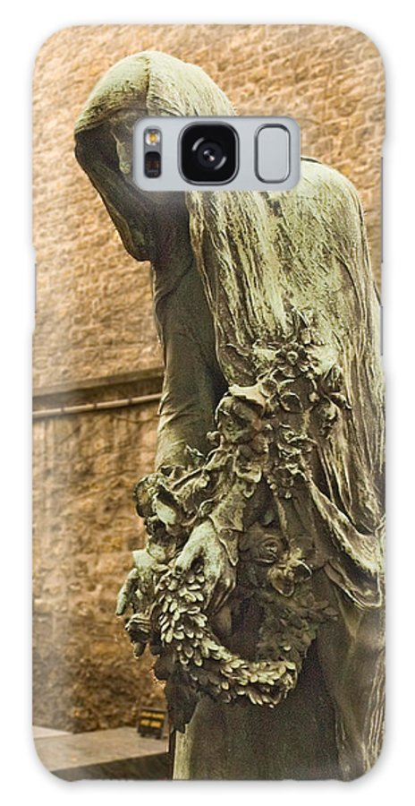 Statue Galaxy S8 Case featuring the photograph Forever Mourning by Mick Burkey