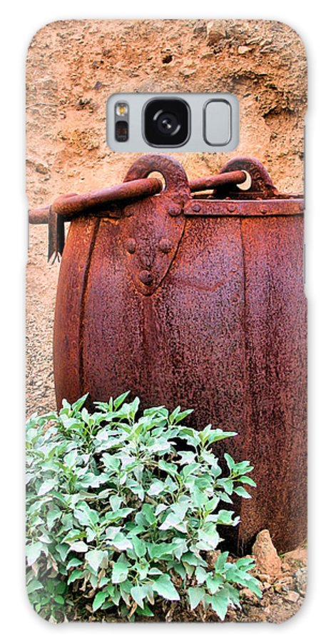 Bucket Galaxy S8 Case featuring the photograph Forgotten Bucket by Kristin Elmquist