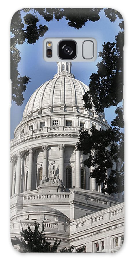 Madison Wisconsin Galaxy S8 Case featuring the photograph Framed Capitol by David Bearden
