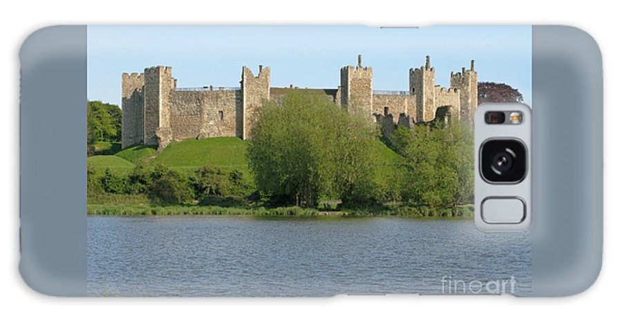 England Galaxy S8 Case featuring the photograph Framlingham Castle by Ann Horn