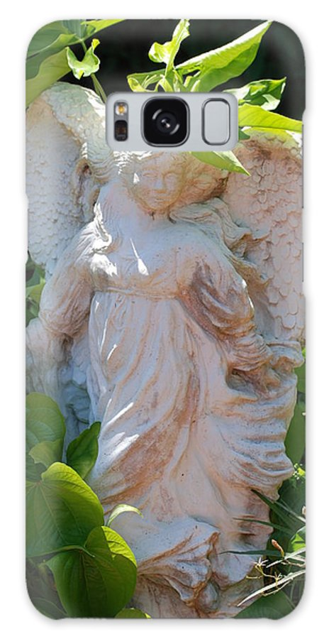 Angels Galaxy S8 Case featuring the photograph Garden Angel by Rob Hans