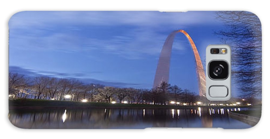 Gateway Arch Galaxy S8 Case featuring the photograph Gateway Arch At Dawn Panoramic by Sven Brogren