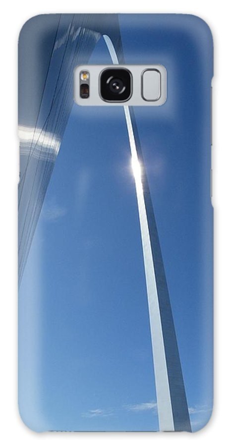 St. Louis Galaxy S8 Case featuring the photograph Gateway Arch by Peggy King