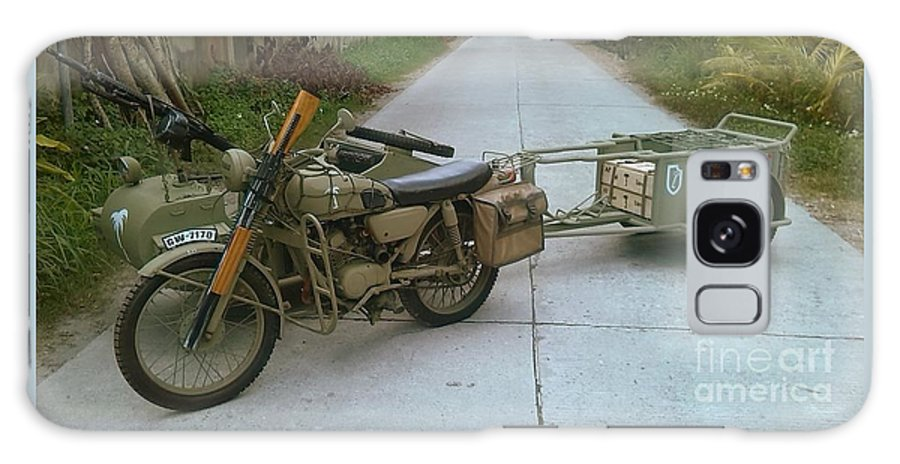 Richard John Holden_motorcycle_sidecar_afrika Corps_ww2_world War 2_german_quadrophenia_cafe Racer Galaxy S8 Case featuring the painting German Sidecar Replica 1943 by Richard John Holden RA