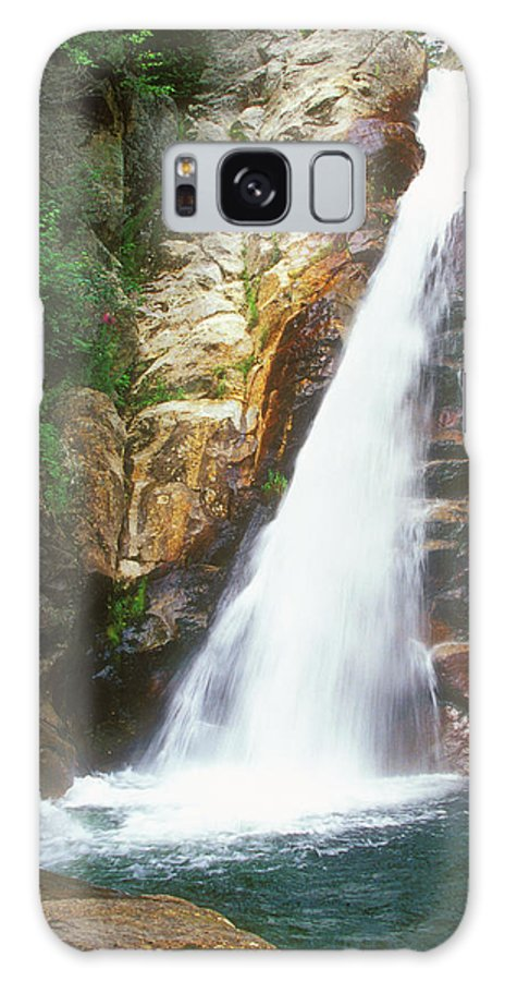 Waterfall Galaxy S8 Case featuring the photograph Glen Ellis Falls by John Burk